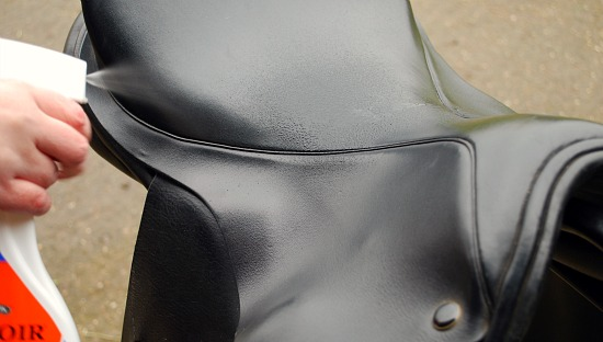 Basic Horse Care Saddle Cleaning Spray (www.basic-horse-care.com)