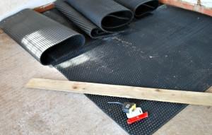 Rubber Matting Tools (Basic-Horse-Care.com)